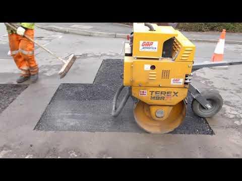 Zimowa naprawa asfaltu – szybkie łatanie nawierzchni drogowej