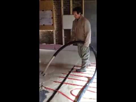 Wykonanie wylewki samopoziomującej nad ogrzewaniem podłogowym