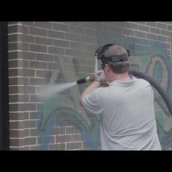 Jak łatwo usunąć graffiti za pomocą sprężarki i myjki ciśnieniowej?